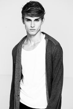 41 cute fashion teenage trending now 8 Hipster Fashion, Cute Fashion, Hipster Style, Men Fashion, Teenage Boy Fashion, Boy Models, Male Models Teenage, What To Wear Today, Raining Men