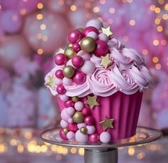 Very Stunning By . Tag us or use. Hello Kitty Cupcakes, Cat Cupcakes, Holiday Cupcakes, Ladybug Cupcakes, Snowman Cupcakes, Giant Cupcake Cakes, Cupcake In A Cup, Rose Cupcake, Chocolate Giant Cupcake