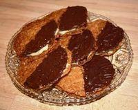 Lørdag fik jeg besøg af min dejlige veninde Vivi og som altid skulle der jo bagværk på bordet.  Jeg har altid elsket bagerens havregrynskage...