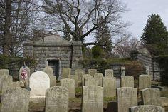 Old Dutch Church cemetery, Sleepy Hollow, New York Sleepy Hollow New York, Legend Of Sleepy Hollow, Cemetery Monuments, Cemetery Art, Old Cemeteries, Graveyards, Tarrytown New York, Catacombs, Hudson River