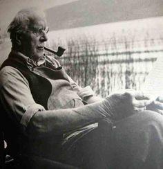 Coletânea de 4 vídeos de Carl Gustav Jung abordando a sua vida e obra. Vídeos que mostram que Carl Gustav Jung sempre esteve muito à frente de seu tempo.