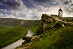 Tipova monastery in Moldova is a magnificent cave complex, which was created in the 6th century in the cliffs above the Nistru river and reached its heyday in the 18th century.