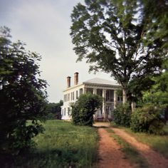 I wish this was a more detailed photograph. Greek Revival with a hip roof, double porch, looks like fairly original condition. Old Southern Homes, Southern Plantation Homes, Southern Mansions, Southern Plantations, Southern Charm, Plantation Houses, Southern Comfort, Southern Gothic, Southern Hospitality