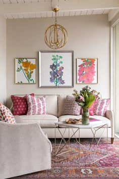 Living Room Design for Summer Summer Decorating Ideas by Dering Hall Design Living Room Designs, Living Room Decor, Home Interior, Interior Design, Interior Livingroom, Colourful Living Room, Family Room Decorating, Summer Decorating, Decorating Ideas