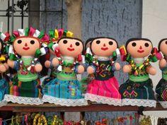 I love the super tiny, tiny dolls that your worries away!   Muñecas de trapo, Tlaquepaque Jalisco
