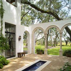 mediterranean patio by Summerour Architects