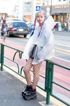 From pastel extensions and platform shoes to satin souvenir jackets and mall goth black, see all the Fashion Week Tokyo street style trends in our exclusive slideshow. Source by octocamille Street style pastel Tokyo Street Fashion, Tokyo Street Style, Street Style Trends, Korean Street Fashion, Japan Fashion, New Fashion, Trendy Fashion, Fashion Pics, Style Fashion