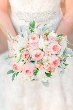 Garden Rose Bouquet | Kirstyn Marie Photography | Vintage Lace and Blush Sequins