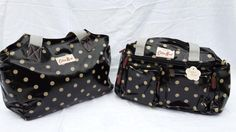 These Cotton Road Bags are available in a few colours. They are hig hly sort after and stocks are limited.Please hurry. Place your order now.