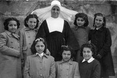 Profesora y alumnas del Colegio del Puerto (Cedida por Ane Albizu) (ref. 07076)