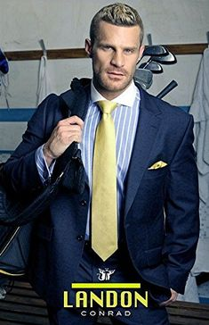 Mens Fashion Suits, Mens Suits, Men's Fashion, Smart Outfit, Business Outfit, Tuxedo For Men, Gay, Guy Pictures, Suit And Tie
