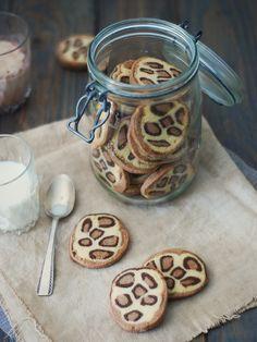 Sablés léopard http://www.confitbanane.com/ #sablés #léopard #biscuit #cookies