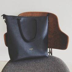 Women's leather laptop tote for your 9 to 5 and beyond.