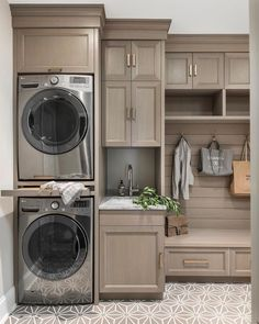 38 Functional And Stylish Laundry Room Design Ideas To Inspire. 38 Functional And Stylish Laundry Room Design Ideas To Inspire. Have a look at this incredible collection of laundry room design ideas that are functional, stylish and full of inspiration. Mudroom Laundry Room, Laundry Room Layouts, Laundry Room Remodel, Laundry Room Cabinets, Farmhouse Laundry Room, Small Laundry Rooms, Laundry Room Organization, Laundry Room Design, Laundry In Kitchen