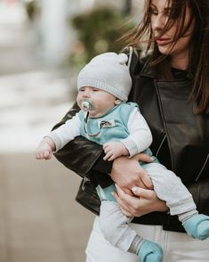 Even when it's windy, mommy knows that baby is protected ❤️ 📷 Beautiful mommy Summer Set, Hipster, Baby, Beautiful, Instagram, Style, Swag, Hipsters, Infants