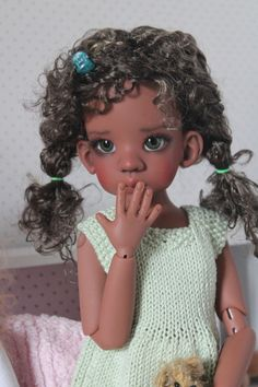 Talyssa coffee tan arrive - Kaye Wiggs Dolls