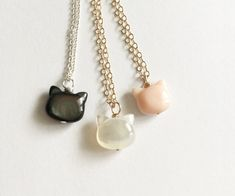 Pearl cat necklace