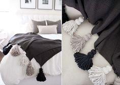 Chunky Tassel Blanket