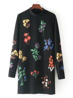 Модное платье с цветочной вышивкой