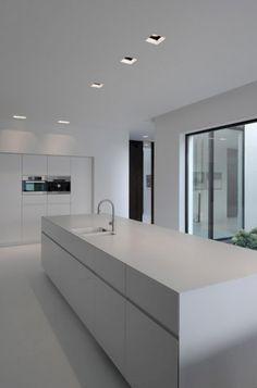 60+ Gorgeous White Kitchen Design and Decor Ideas #kitchendesign #kitchendecor #kitchendecorideas