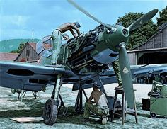Bf 109 Emil with maintenance crew
