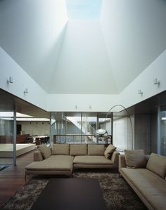 Square Skylight House / NKS Architects