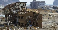 Três anos após a tragédia, relembre tsunami que atingiu o Japão em 30 imagens - Fotos - UOL Notícias
