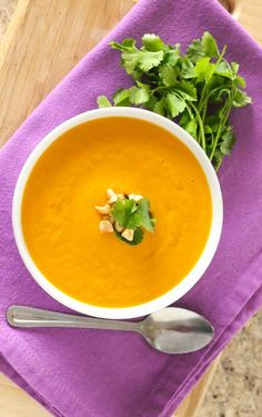 This soup delivers a creamy, spicy punch of immunity-boosting vitamin C and beta carotene—and tastes amazing too! Curry Recipes, Seafood Recipes, Soup Recipes, Vegetarian Recipes, Cooking Recipes, Healthy Recipes, Healthy Soup, Vegan Soups, Sweet Potato Soup