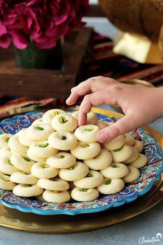 Arabic Dessert, Arabic Sweets, Arabic Food, Ghraybeh Recipe, My Best Recipe, Kaak Recipe, Lebanese Desserts, Lebanese Recipes, Indian Dessert Recipes