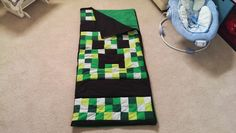 DIY Minecraft Creeper Sleeping Bag - I need to learn to sew. And a sewing machine. Stem Activities, Activities For Kids, Picnic Blanket, Outdoor Blanket, Hobby Hobby, Summer Fun For Kids, Minecraft Crafts, Learn To Sew, Sleeping Bag