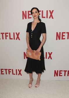 Grab a free gift card: http://dealz.space/bath-and-body-coupon Krysten Ritter Body, Krysten Alyce Ritter, Paris, Outfits, Red Carpet Dresses, Fashion, Bae, Alice, Gowns