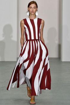 Jasper Conran Spring/Summer 2017 Ready To Wear Collection British Vogue Fashion 2017, Runway Fashion, High Fashion, Fashion Dresses, Fashion Trends, Fashion Check, Vogue Fashion, Fashion Fashion, Fashion Tips