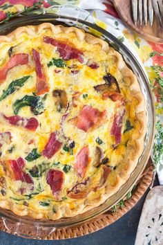 The Gold Lining Girl | Bacon, Spinach and Mushroom Quiche Pie | http://thegoldlininggirl.com
