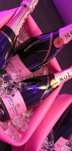 pink, champagne, and drink Wild Bachelorette Party, Bachelorette Ideas, Hot Pink Fashion, Everything Pink, Pink Champagne, Prosecco, Pink Aesthetic, Pretty In Pink, Wines