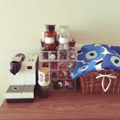 skyblueさんの、アクリルケース,かご,バスケット,無印良品 収納,試薬瓶,marimekko,madu,コーヒー,無印良品,マリメッコ,収納,一人暮らし,ネスプレッソ,Kitchen,のお部屋写真