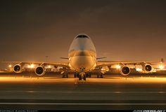 Boeing 747-4 at night
