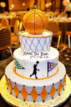 New Basket Ball Cake Design Bar Mitzvah Ideas Cupcakes, Cupcake Cakes, Bar Mitzvah Themes, Bat Mitzvah, Sport Cakes, Creative Desserts, Themed Birthday Cakes, Cake Bars, Cakes For Boys