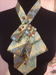 Fabric Necklace, Fabric Jewelry, Tie Crafts, Sewing Crafts, Old Ties, Tie Quilt, Best Gifts For Her, Tie Styles, Neck Piece