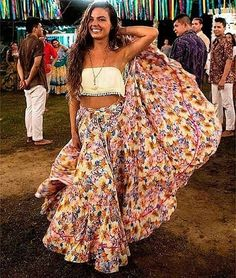 Trust me, the exhibited boho chic dressing thoughts will make you look great this year. Cute Vacation Outfits, Trendy Summer Outfits, Boho Outfits, Fashion Outfits, Summer Clothes, Pretty Outfits, Fashion Ideas, Hippie Look, Boho Look