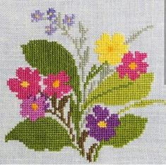 """X-small exellently done vintage handmade cross-stitch embroidery tablet/ table-cloth with multicolor flower motive on bone white bottom. Exellent vintage condition - a litte jewelry for the table! SIze: * """"/ inch in square. Cross Stitch Books, Cross Stitch Borders, Cross Stitch Rose, Cross Stitch Flowers, Cross Stitch Designs, Cross Stitching, Cross Stitch Embroidery, Cross Stitch Patterns, Hand Work Embroidery"""