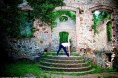 Como ocurre con otras disciplinas, el Yoga se ha puesto de moda pero, ¿sabes bien qué es?