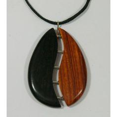 """Pendentif """"Dans le même panier"""" Diy Leather Earrings, Wooden Earrings, Wooden Jewelry, Leather Jewelry, Jewelry Tree, Jewelry Crafts, Wire Jewelry Designs, Dreamland Jewelry, Wood Necklace"""