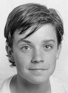 Celebrities Then And Now, Young Celebrities, Celebs, Robbie Williams, Tv Actors, Actors & Actresses, Cuadros Star Wars, Gary Barlow, Cinema