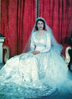 Queen Elizabeth II - Royal Wedding, 20 Nov A fairytale Princess for whom Norman Hartnell designed this gorgeous dress,a duchesse satin bridal gown with motifs of star lilies and orange blossoms. Princesa Elizabeth, Queen Elizabeth Wedding, Queen Elizabeth Ii, Royal Brides, Royal Weddings, Wedding Attire, Wedding Gowns, Bridal Gown, Wedding Ceremony