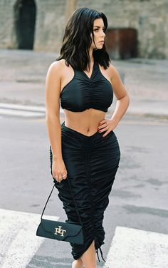 Demi Rose Mawby, Rose Clothing, How To Hem Pants, Summer Skirts, Cute Skirts, Black Nylons, Celebrity Style, Midi Skirt, How To Wear
