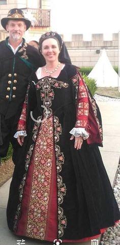Vintage Clothing, Vintage Outfits, Elizabethan Costume, Tudor Dress, Renaissance Gown, Costume Ideas, Costumes, Fantasy Island, Tudor Style