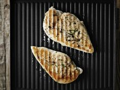 Grill chicken without actually firing up the grill. | 18 Surprising Things You Can Make In A Panini Press