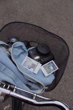 polaroid photo vignettes using keta jos polaroid - might have to get film