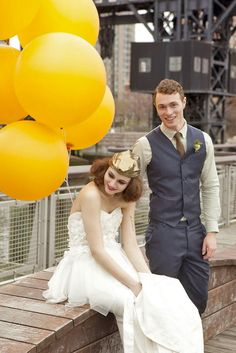 Love is in the air! Balloon Photo Ideas For Your Big Day ❤ See more: http://www.weddingforward.com/balloon-photo-ideas/ #weddings