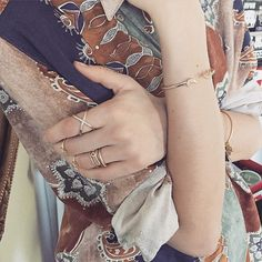 Diamond details #rings #armswag #diamond #simplechic  #jewelry #bijoux #bracelet #necklace #collier #bracelet #bijouxcreateur